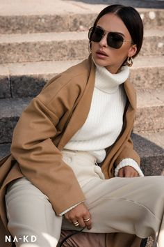 This season we want to wear oversize outerwear, tailored pieces and cozy knits. Find your favourites in new neutrals, faux leather or checks. Fall Winter Outfits, Autumn Winter Fashion, Casual Winter, Stylish Outfits, Fashion Outfits, Womens Fashion, Mode Ootd, Raincoats For Women, Fashion Videos
