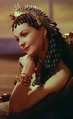 Vivien Leigh as Cleopatra in Caesar and Cleopatra, 1945.