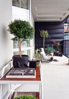 Find homes: Modern balcony - tight urban quayside