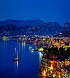 Sorrento, Amalfi Coast, Italy ♥ ♥ www.paintingyouwithwords.com