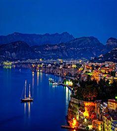 Sorrento, Amalfi Coast, Italy ♥ ♥ www.paintingyouwithwords.com