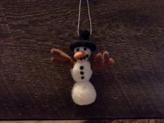Gins felted snowman 631