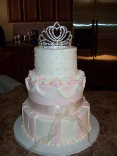 Cake at a Princess Party, don't really like the cake, but love the idea of the crown at the top