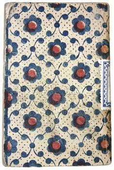 """18th Century paperbacks covered with xylographic papers (from Antonio Carpallo et alii: """"Encuadernaciones de las Guías de Forasteros de la Real Academia de la Historia, Madrid, Ollero y Ramos, 2015) via @alfonsomelendez"""