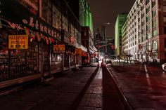 Chinatown during blackout in NYC — at Chinatown, New York by Guillaume Gaudet