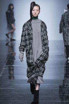 Kiok Seoul Fall 2016 Fashion Show