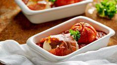 Pieczona mozzarella w prosciutto z sosem pomidorowym