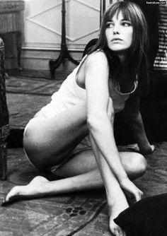 http://pics.wikifeet.com/Jane-Birkin-Feet-794629.jpg