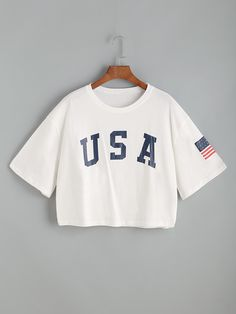 To find out about the USA Flag Print Drop Shoulder Crop Tee at SHEIN, part of our latest T-Shirts ready to shop online today! Boxy Crop Top, Crop Tee, Teen Fashion Outfits, Girl Outfits, Summer Outfits, Emo Outfits, Fashion Dresses, Jugend Mode Outfits, Usa Shirt
