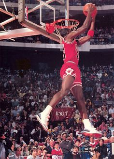 This incredible photo art piece captures Michael Jordan as he elevates for a reverse jam in the 1988 Slam Dunk Contest which was held in front of his home crowd at Chicago Stadium. Jordan Basketball, Basketball Legends, Sports Basketball, Basketball Jones, Basketball Players, Soccer, Dominique Wilkins, Air Jordan Iii, Mike Jordan