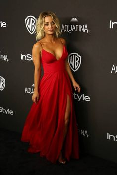 The 10 most stunning looks of the Golden Globes 2016 - Golden Globes Kaley Couco. Golden Globes 2016, Kaley Cuoco, Beautiful Celebrities, Gorgeous Women, Big Bang Theory, Sexy Dresses, Prom Dresses, Short Gowns, Pretty People