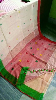 Pure Lenin sarees 100/100thread count with bp. Price:2999 Order what's app 7995736811