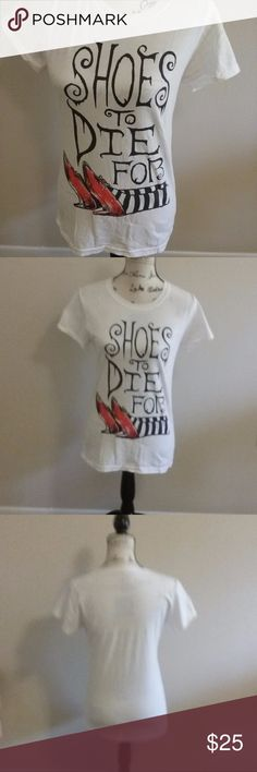 "Shoes To Die For Wizard of Oz Tshirt Size XL Super cute and unique Wizard of Oz Shoes to Die For graphic tshirt, size XL - measures approximately 26"" long from  back collar and 16"" underarm to underarm, 100% cotton material. Wizard of Oz Tops Tees - Short Sleeve"