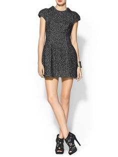 Funktional tweed dress with lace