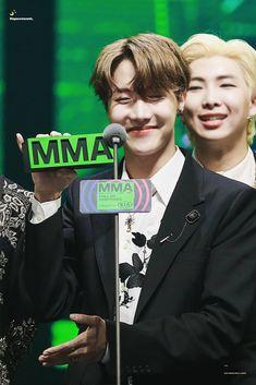 191130 || MMA (Melon Music Awards) #BTS #JHope Gwangju, Jung Hoseok, Park Ji Min, Seungri, Hip Hop, Foto Bts, Bts Boys, Bts Bangtan Boy, Jhope Bts