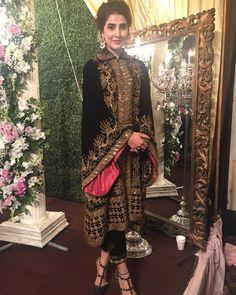 Image may contain: 2 people Velvet Pakistani Dress, Pakistani Formal Dresses, Pakistani Dress Design, Indian Dresses, Pakistani Couture, Indian Suits, Pakistani Fashion Party Wear, Pakistani Wedding Outfits, Indian Fashion
