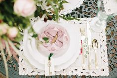beautiful pink place settings for a secret garden inspired wedding | www.onefabday.com