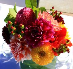 fall bouquets with dahlias and roses | Of course, roses will always be popular and are available in any shade ...