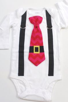 Santa Tie and Suspender Bodysuit Outfit. by CuddleSleepDream Newborn Christmas Outfit Boy, Boys Christmas Outfits, Holiday Outfits, Christmas Shirts, Christmas Sewing, Body Suit With Shorts, Body Suit Outfits, Boy Outfits, Black Suspenders