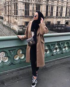 15 more hijab fashion elegant winter # hijab mode eleganten winter Casual Hijab Outfit, Hijab Chic, Hijab Dress, Elegant Outfit, Modern Hijab Fashion, Hijab Fashion Inspiration, Muslim Fashion, Modest Dresses, Modest Outfits