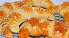 Puha, vajas kifli Hungarian Cuisine, Hungarian Recipes, Hungarian Food, Hungarian Cookies, Bread Recipes, Cooking Recipes, Salty Foods, Best Food Ever, Bread Rolls