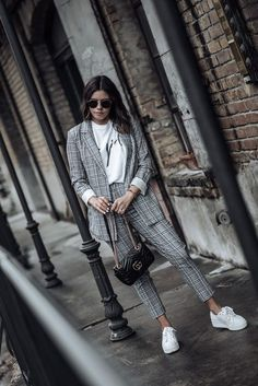 best outfits of 2018 - Flaunt and Center Street Style 2018, Looks Street Style, Casual Street Style, Suit Fashion, Work Fashion, Fashion Outfits, Suits And Sneakers, Plaid Pants Outfit, Cool Outfits