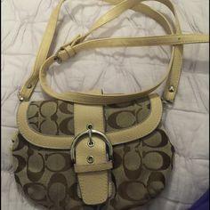 Beautiful authentic  coach little shoulder bag ! Beautiful authentic  Coach  little shoulder bag ! Coach Bags Mini Bags
