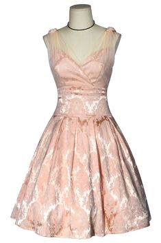 Box Pleat Skirt, Box Pleats, Pleated Skirt, Shades Of Peach, Vintage Dresses, Kitten, Stage, Tulle, Goals