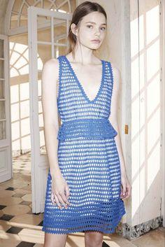 Vestido de crochê See by Chloé Primavera 2015   Moda em Crochê