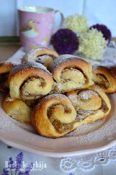 Hungarian Cuisine, Hungarian Recipes, Hungarian Food, Poppy Cake, Sweet Cookies, Food N, Spring Rolls, Sweet Bread, Baked Goods