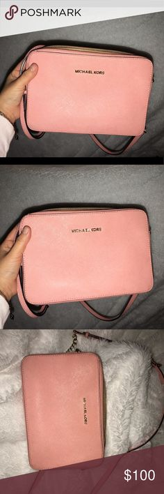 20845cdcf6c0 Micheal Kors baby pink cross body! Hey everyone! I m selling my pink