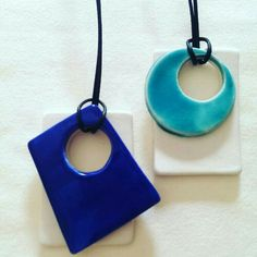 Lindo modelo Ceramic Clay, Ceramic Pendant, Ceramic Beads, Ceramic Pottery, Polymer Clay Beads, Polymer Clay Necklace, Porcelain Jewelry, Ceramic Jewelry, Ceramic Necklace