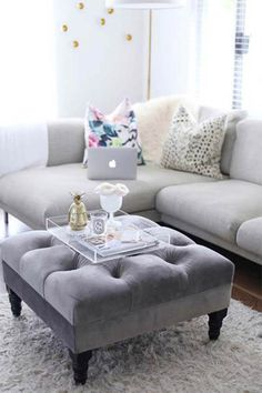 If you& been looking for a spring home update on a budget, these tips are for you! 5 Coffee Table Styling Tricks to Refresh Your Living Room - HOUSE of HARPER My Living Room, Apartment Living, Home And Living, Living Room Furniture, Living Room Decor, Living Spaces, Baker Furniture, Rv Living, Modern Living