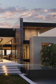 142 stunning modern dream house exterior design ideas-page 29 : 142 stunning modern dream house exterior design ideas-page 29 Luxury Modern Homes, Modern Mansion, Home Modern, Modern Exterior, Exterior Design, Exterior Paint, Contemporary Architecture, Architecture Design, Contemporary Design