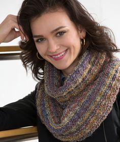 Easy Gift Cowl Free Knitting Pattern from Red Heart Yarns