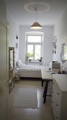 Outstanding Small bedroom ideas - A master bedroom doesn't need to be the dimension of an amphitheater to embody superb style. These tiny space bedrooms prove that it's not gathered square video foota Small Apartment Bedrooms, Small Room Bedroom, Small Rooms, Small Apartments, Master Bedroom, Bedroom Decor, Small Space, Modern Bedroom, Bedroom Curtains