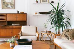 #wandmeubel #kast #vintage #bank #fauteuil Bijzettafel #interieur