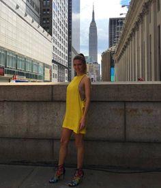 A top model e apresentadora argentina da MTV Sofia Zamolo, direto de NY com sandália Carmen Steffens eleita a queridinha das fashionistas!