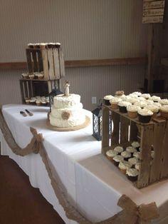 14 beautiful DIY burlap wedding decorations you should try - wedding diy - cuteweddingideas.com #BurlapWeddings