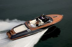 Chris Craft. is this that pretty navy blue?