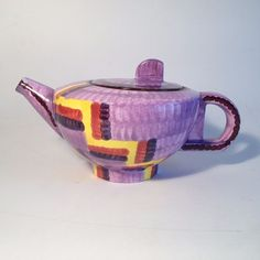 Eva Zeisel Schramberg Ceramic Teapot. 1930 #ArtDeco #Schramberg