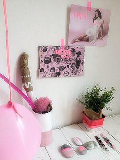 Méchant Design: Light Pink VS Neon styling