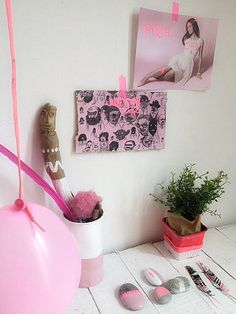 Méchant Design: Light Pink VS Neon styling