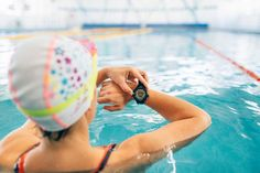 Swimmers, Increase Your Swimming Efficiency - Play Swim Golf Swimming Coach, Lap Swimming, Swimming Drills, Best Swimmer, Swim Training, Play Golf, Coaching, Exercise, Swimmers