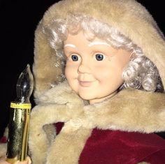 Vintage 1996 TELCO Motionette Mrs. Claus Gold Candle Burgundy Cloak Tan Fur Trim