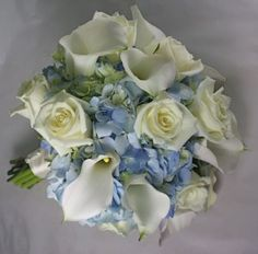 Oh for real...this is my dream bouquet--blue hydrangeas, cala lillies, and white roses!  I didn't even know this has been done. :)