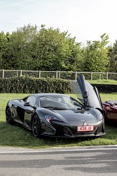 The McLaren held the world record for the fastest production car in the world for many years. The car was first produced in 1992 and still looks great today. Audi, Bmw, Top 10 Supercars, Ferrari, Lamborghini, Mclaren 650s, Mc Laren, Porsche Panamera, Latest Cars