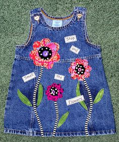 Adventures in Fiber: Recycled denim Sewing For Kids, Baby Sewing, Toddler Dress, Baby Dress, Denim Ideas, Recycle Jeans, Recycled Denim, Little Girl Dresses, Vintage Denim