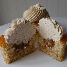 Cinnamon Apple Pie Cupcakes