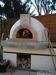 Backyard pizza oven with stucco finish